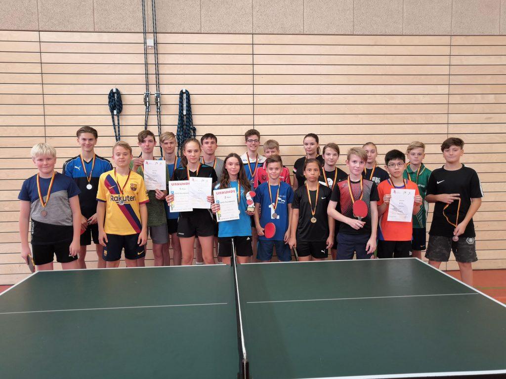 Spieler der Tischtennis AG im Regionalfinale von Jugend trainiert für Olympia